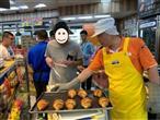 副店長示範包裝烘焙食品